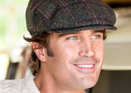 Tweed hat. How to wear it?