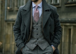 Tweed is the best choice in autumn time!